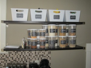Organizing the kitchen: de-cluttering open shelving with containers, bins and labels