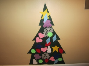 theelmlife_12daysofchristmas_felttree