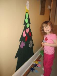 theelmlife_12daysofchristmas_felttree6