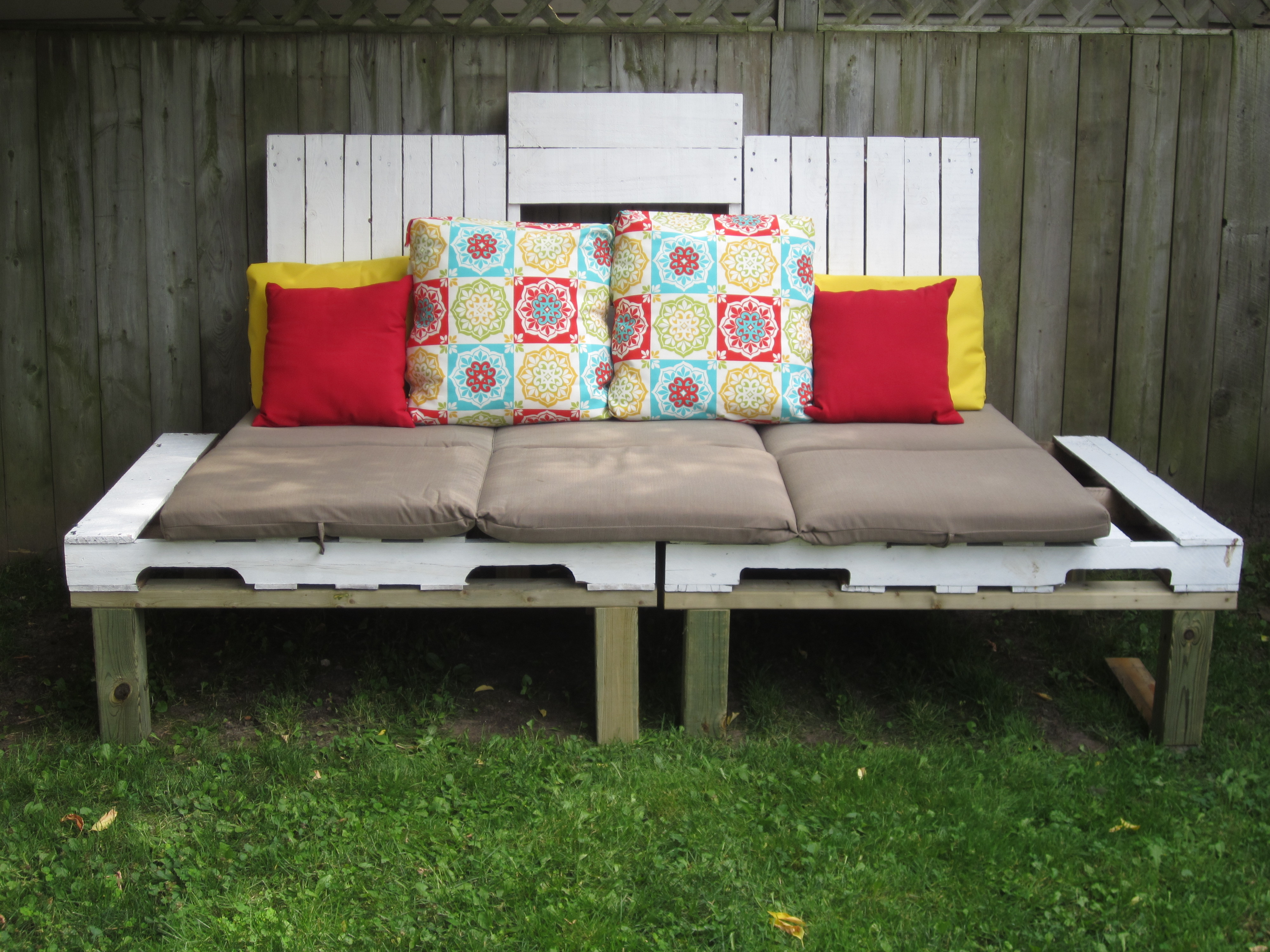 100 shipping pallet couch over 50 creative diy pallet sofa